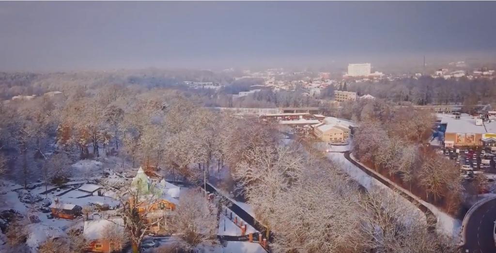 Se Energiföretagens film om Karlshamn Energi som visar hur vi jobbar med integration och introduktionsjobb för att hitta rätt kompetens till vårt företag.
